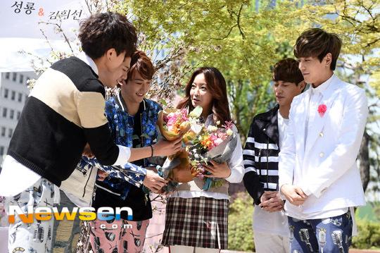kim-hee-sun-4-3202-1429602888.jpg