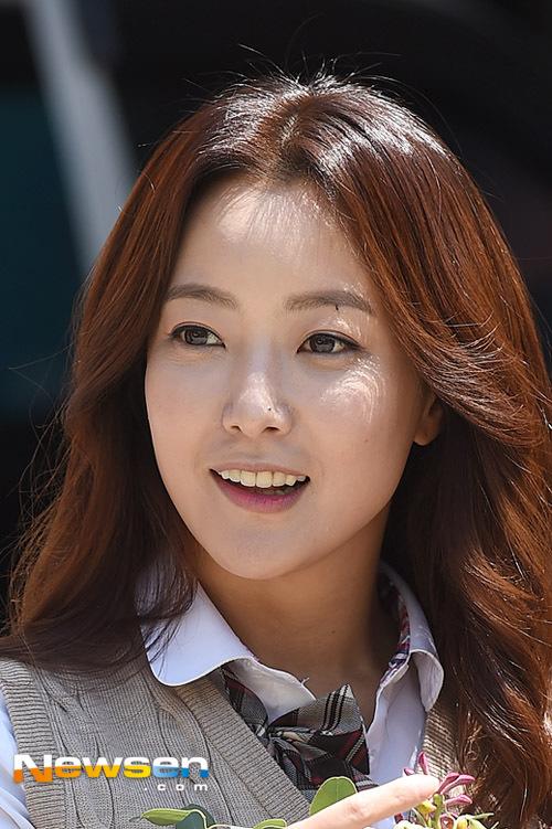 kim-hee-sun-6-4733-1429602889.jpg