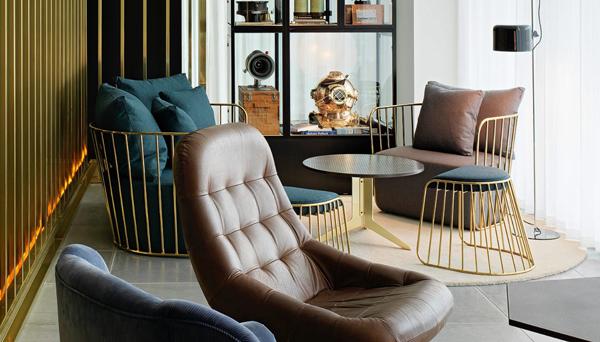 Mondrian London là sự pha trộn giữa kiến trúc Anh và Mỹ.