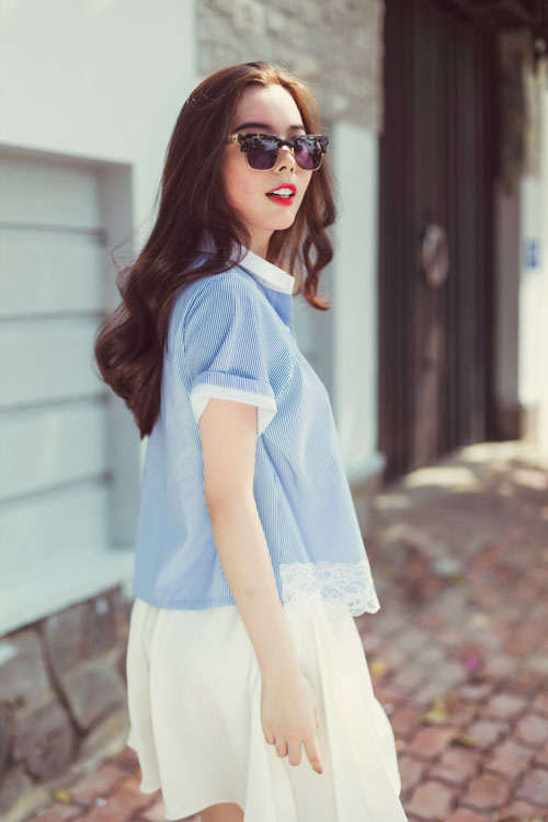Mặc đẹp ngày hè với tông màu trắng xanh thanh nhã
