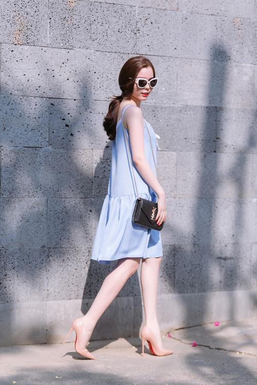 Mặc đẹp ngày hè với tông màu trắng xanh thanh nhã 5