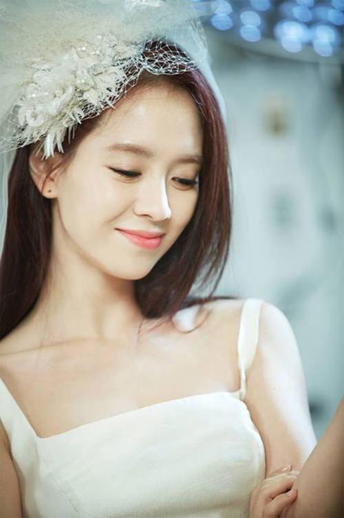 song-ji-hyo-11-2214-1429866891.jpg