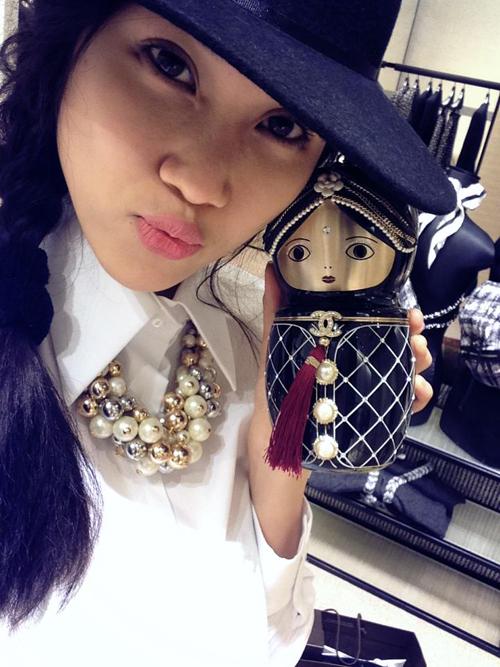 Trần Thu Hằng mê sưu tập túi, ví mini