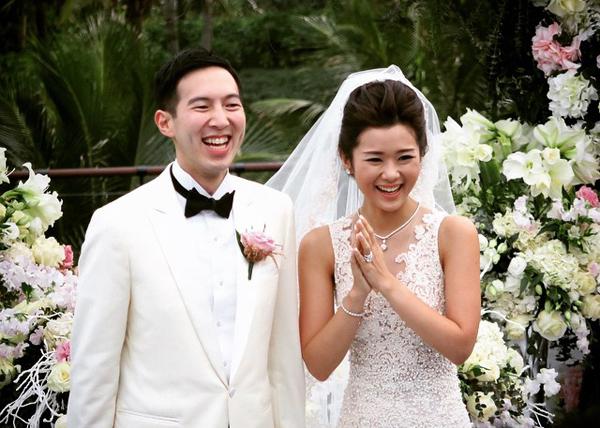 Ảnh cưới và chuyện tình yêu của cặp đại gia Singapore