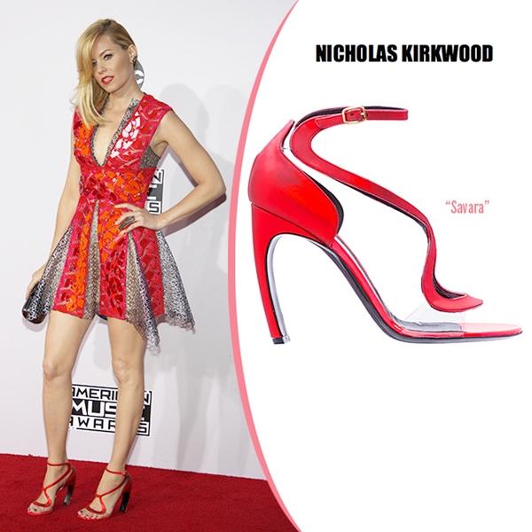 Nicholas-Kirkwood-Savara-Fall-2014-Sanda