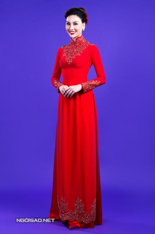 Siêu mẫu Thùy Linh diện áo dài cưới như công chúa