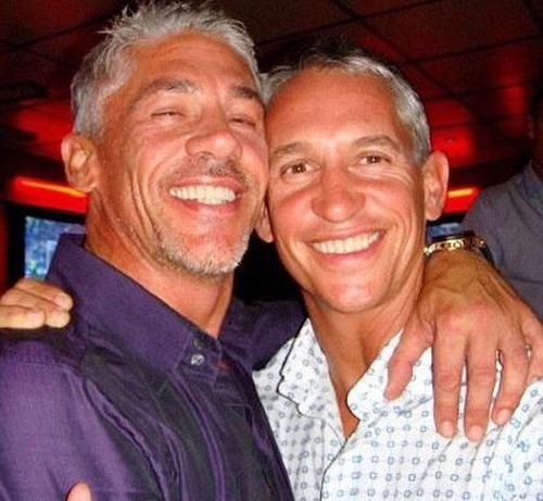 Gary Lineker và em trai Wayne ngày còn thân thiết.