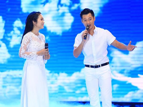[Caption]Do đã nhiều lần song ca cùng nhau nên Đức Tuấn và Thanh Thúy phối hợp rất ăn ý và hòa quyện với nhau trong ca khúc Khát vọng.