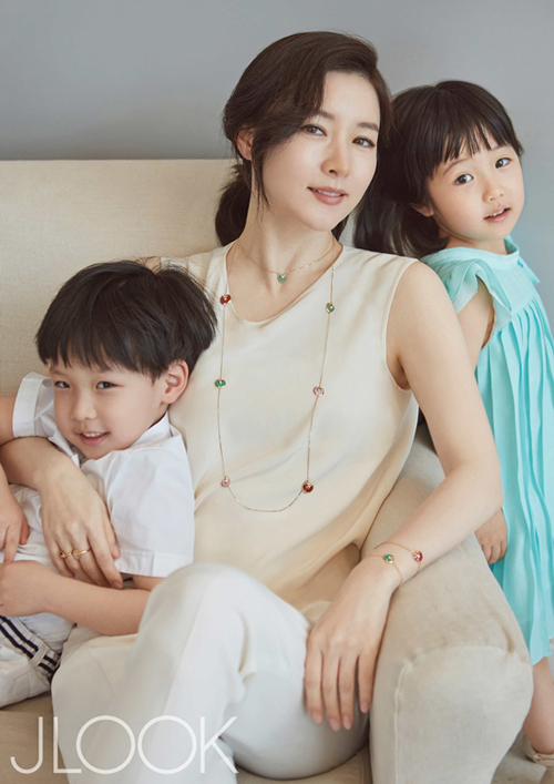 Lee-Young-Ae-2532-1430708335.jpg