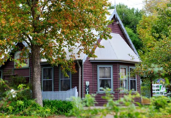 Chỉ cần một lần đến với Tilba Tilba bạn sẽ yêu cảm giác thanh bình nơi đây và mong muốn có một ngôi nhà xinh như thế này để ở lúc tuổi già.