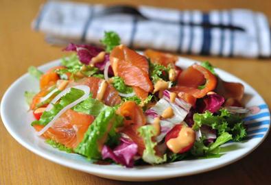 Salad cá hồi xông khói