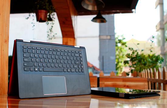 Yoga 500 được trang bị chip Intel Core i thế hệ thứ 5 mới nhất, màn hình có độ phân giải lên tới Full HD.