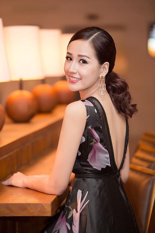 Thời gian qua, người đẹp ít đi sự kiện mà tập trung đi học thêm nghiệp vụ để chuyên tâm kinh doanh. Thỉnh thoảng, Hoa hậu xuất hiện tại một vài event lớn.