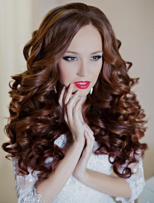Tóc xoăn bồng bềnh tuyệt đẹp cho cô dâu tóc dài