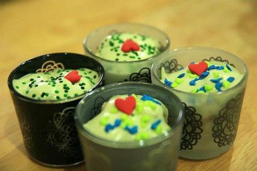 Những chiếc bánh kem tươi trà xanh xinh xắn chắc hẳn không chỉ làm cho bé nhà bạn thích thú, mà còn là món quà nhỏ mà bạn có thể đem đi tặng bạn bè thân yêu và những thành viên trong gia đình.