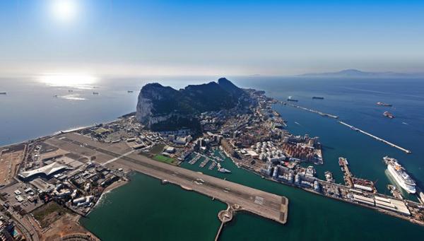 8-Gibraltar-Airport-4251-1431479536.jpg