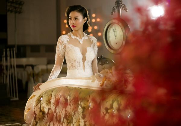 Lan Ngọc xinh đẹp rạng rỡ khi diện váy cưới