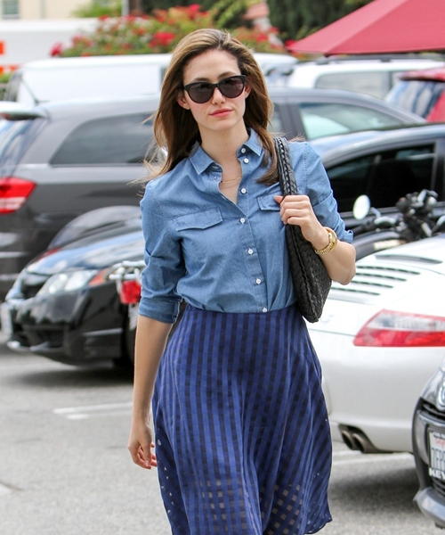 Emmy-Rossum-in-blue-Peunu3aVjH-4979-6206