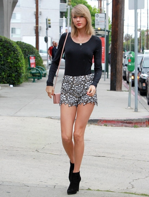 Taylor-Swift-Taylor-Swift-Goes-7001-9381