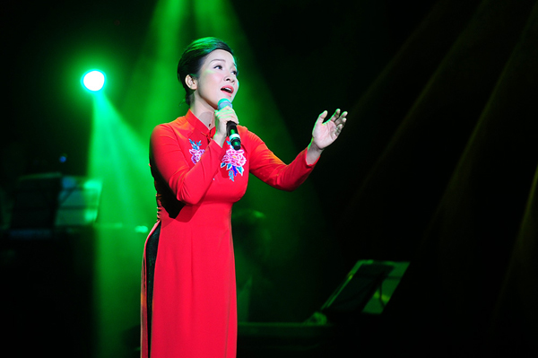 khanh-ly-goi-ten-bon-mua-5-3759-14323450