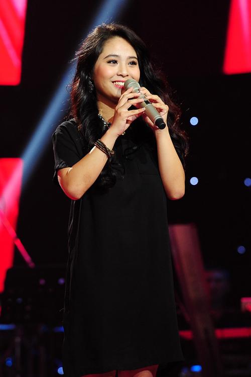 Nguyễn Kiều Anh, 21 tuổi đến từ Hà Nội trình bày ca khúc