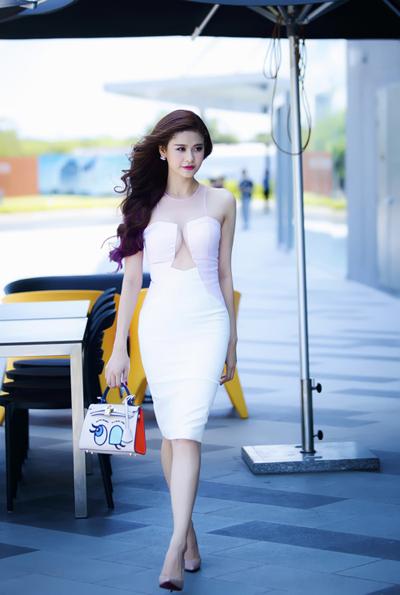 Trương Quỳnh Anh khoe da trắng nõn - Làm đẹp