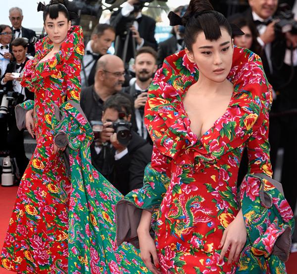 Diễn viên Trương Hinh Dư là người khơi mào cho trào lưu thời trang mặc họa tiết chăn con công khi diện một bộ đầm rực rỡ lên thảm đỏ LHP Cannes tuần trước