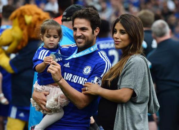 Trên sân nhà, Chelsea nâng cao Cup vô địch giải Ngoại hạng Anh sau khi giành chiến thắng 3-1 trước Sunderland