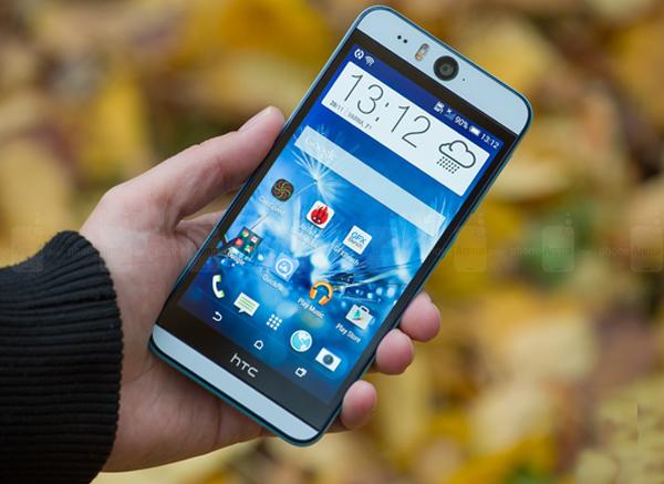 5 smartphone cho người hay selfie vào buổi tối