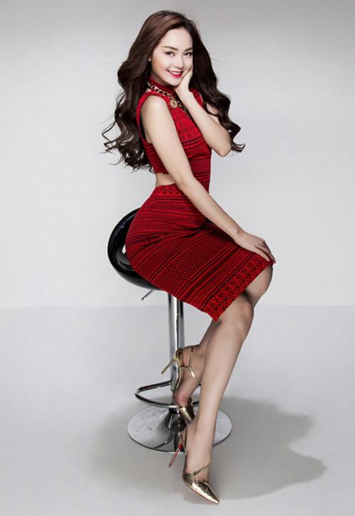 Sao Việt mặc đẹp cùng mốt giày metalic