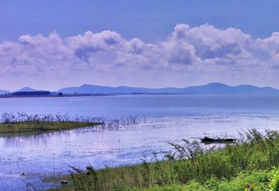 Vẻ đẹp quyến rũ của hồ Dầu Tiếng