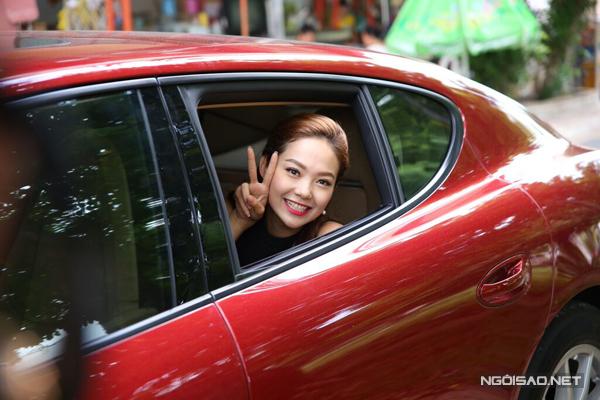 Vị giám khảo thứ hai của cuộc thi là Minh Hằng cũng có mặt từ sớm.
