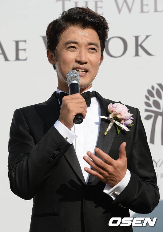 ahn-jae-wook-3-3417-1433147743.jpg