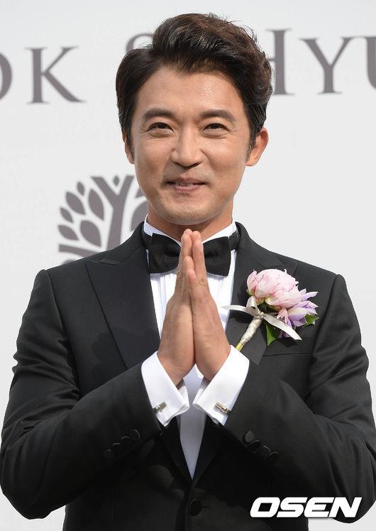 ahn-jae-wook-5-1993-1433147744.jpg