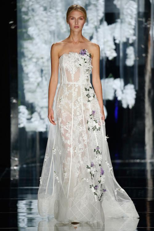 Váy cưới bohemian xuyên thấu, đính hoa tuyệt đẹp