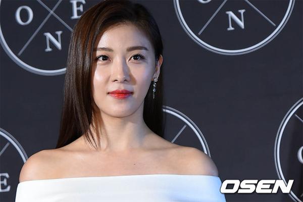 Bên trong ngôi nhà xa hoa của 'mỹ nhân không tuổi' Ha Ji Won - Ảnh 5.