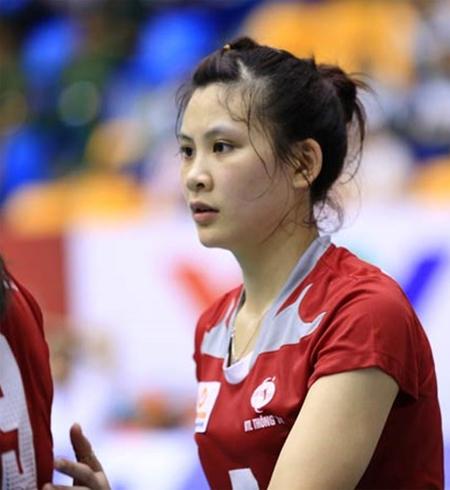 Hoa khôi bóng chuyền Hồng Nhung lỡ SEA Games