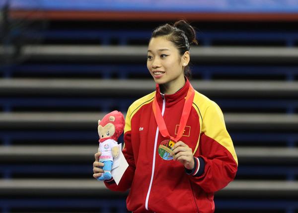 Trong khi đó, Hà Thanh giành được 3 HC vàng và 1 HC đồng.