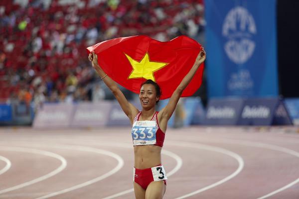 Thảo bảo vệ thành công ngôi vô địch SEA Games ở cả hai cự ly sở trường.