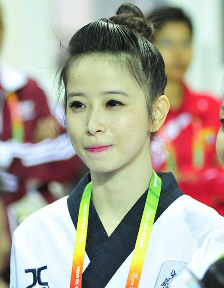 Hoa khôi taekwondo Châu Tuyết Vân và các đồng đội ra quân ngày hôm nay.