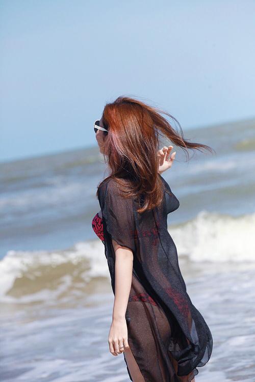 jennifer-pham-bikini-1-5233-1434329092.j