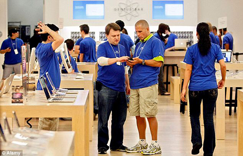 apple-store-7887-1434422308.jpg