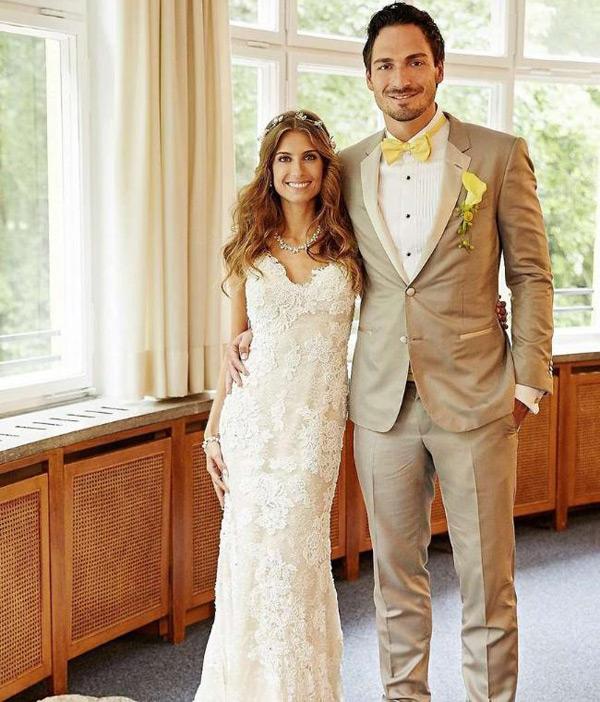 Mats Hummels và hôn thê Cathy Fischer là một trong những cặp đôi đẹp và chung thủy trong làng bóng đá Đức.
