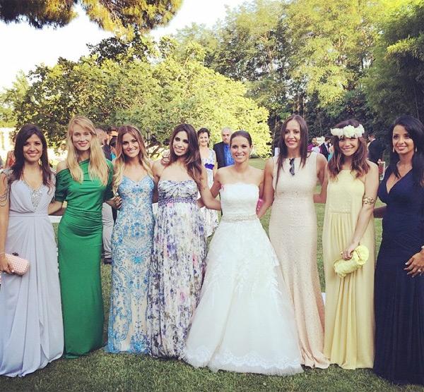 Các WAGs của Barca trong đó có vợ Xavi (ngoài cùng bên trái), bạn gái Puyol