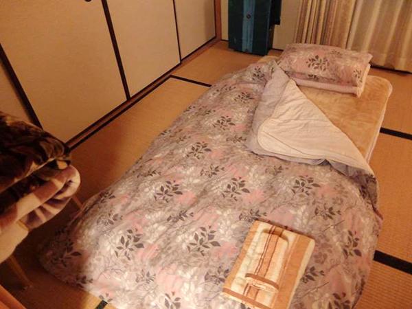 Một căn phòng trọ giá rẻ qua Airbnb ở Nhật.