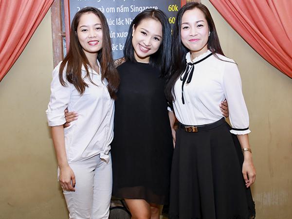 Trưa 25/6, Minh Hương (trái) và Linh Phương