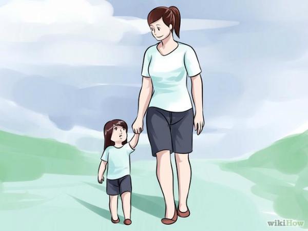 Lưu ý chọn đồ mùa hè và chống nóng cho bé