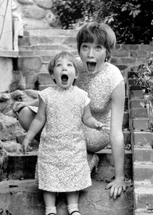 Sachi-Parker-Shirley-MacLaine-1959-mothe