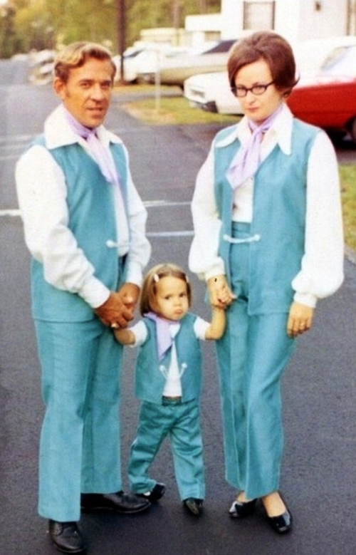 family-matching-fashions-outfits.jpg