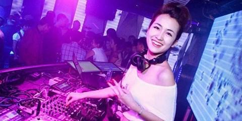 Cạm bẫy rình rập những bóng hồng DJ